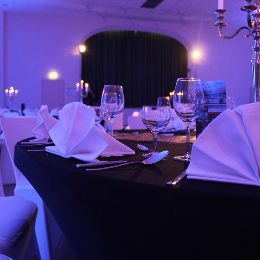 Architekturbeleuchtung mit LED-Scheinwerfern für Hochzeiten