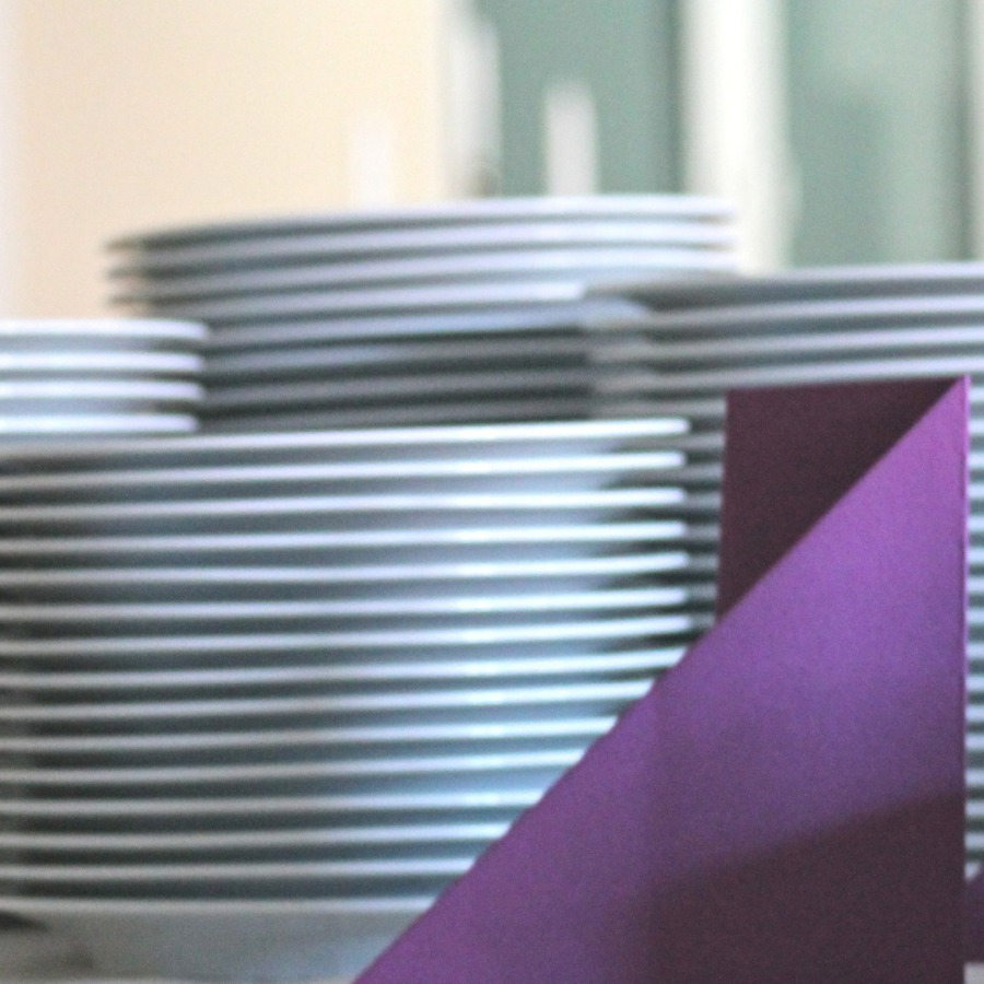 Geschirr - Teller, Tassen, Suppentassen mieten
